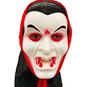 Máscara em Plástico Rígido Vampiro com Capuz